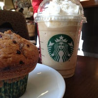 Photo taken at Starbucks Coffee by Giih M. on 1/4/2013