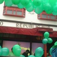 Photo taken at Republic Pub by Mileide F. on 3/17/2013