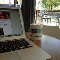 Photo taken at San Francisco Coffee Company by Hansjoerg P. on 4/25/2013