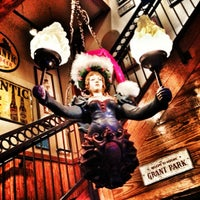 Photo taken at Six Feet Under Pub & Fish House by Darren R. on 12/1/2012