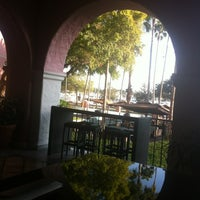 Photo taken at Renaissance Vinoy - Terrace by Shannon L. on 11/3/2012
