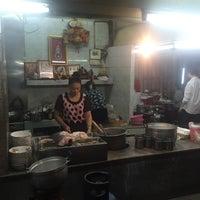 Photo taken at Phlapphla Chai Fish Porridge by สันติธร ย. on 8/7/2016