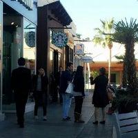 Photo taken at Starbucks by Santiago V. on 12/17/2012