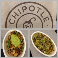 Photo taken at Chipotle Mexican Grill by Roberto C. on 6/26/2013