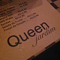 Photo taken at Queen Jardim by Woody L. on 1/7/2013