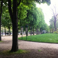 Photo taken at Gardens of the Champs-Élysées by Наталья С. on 5/2/2013