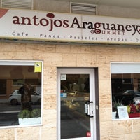 Photo taken at Antojos Araguaney Gourmet by Victor P. on 5/15/2013