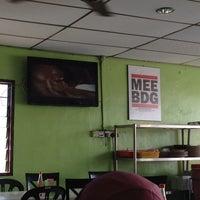 Photo taken at Mee Bandung Muar by Tun H. on 3/8/2014