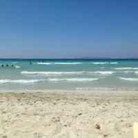 Photo taken at Ilıca Plajı by Gizem G. on 7/29/2013