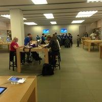 Das Foto wurde bei Apple Beverly Center von Ginger M. am 3/15/2013 aufgenommen