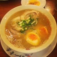 Photo taken at Hakata Ikkousha by Harry D. on 4/10/2013