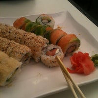 Photo taken at Niu Sushi by Macarena G. on 6/6/2013