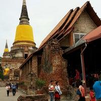 Photo taken at Wat Yaichaimongkol by ผู้ชายแสนดี ข. on 7/21/2013