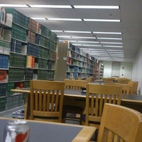 Photo taken at Valley Library (OSU) by Mu K. on 5/21/2013