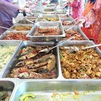 Photo taken at Kafeteria Kementerian Pengajian Tinggi by Sumi J. on 3/20/2013