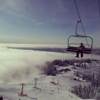 Photo taken at Grouse Mountain by Ji-Taek P. on 2/10/2013