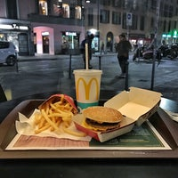 Photo taken at McDonald's by 종원 on 1/11/2017