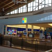 Photo taken at Microsoft Store by Artemis on 3/5/2013