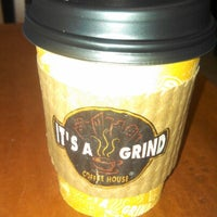 Photo taken at It's A Grind Coffee House by Lex G. on 11/19/2012