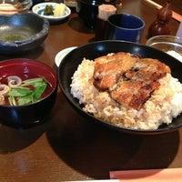 Photo taken at うなぎと和食 いとう by Tsuyoshi I. on 7/26/2013