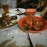 Photo taken at Gama Ikan Bakar dan Seafood by Darmawan A. on 7/4/2016