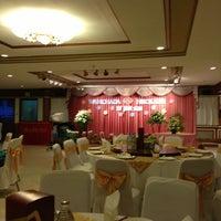 Photo taken at Chandrphen Restaurant by wabisabi on 1/27/2013