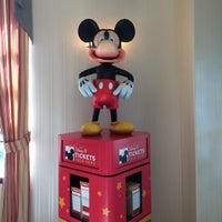 Photo taken at Anaheim Camelot Inn & Suites by HIK on 9/12/2014