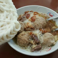 Photo taken at Bakso Mas Kumis by クリスティン c. on 1/28/2016