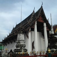 Photo taken at วัดช่องนนทรี by Mahitti S. on 11/10/2013