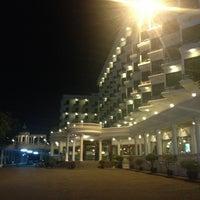 Photo taken at Caesar Palace Hotel Pattaya by Алексей К. on 5/21/2013
