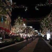 Photo taken at Glendale Galleria by Melissa E. on 11/21/2012