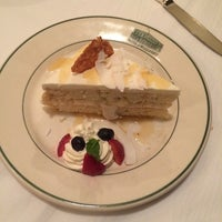 Photo taken at Smith & Wollensky Steakhouse - Philadelphia by Cherry Qianyun L. on 9/10/2014