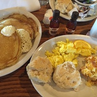 Photo taken at Cracker Barrel Old Country Store by Carlos G. on 2/15/2015