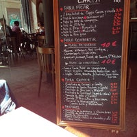 Photo taken at En Aparté by edudilidili b. on 4/18/2014