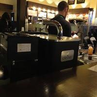 Photo taken at Starbucks by Yuri S. on 1/10/2013