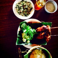 "Photo taken at Warung Lesehan Ayam Bakar ""Lientang"" by Amrullah H. on 2/10/2014"