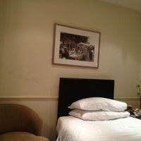 Photo taken at Umi Hotel London by Georgy a. on 12/26/2012