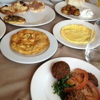 Photo taken at Abdulwahab Lebanese Restaurant مطعم عبد الوهاب by Asad A. on 2/9/2013