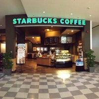 Photo taken at Starbucks by Rezzal N. on 5/27/2013