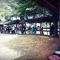 Photo taken at Warung Nasi 'Kayee Lheue' by RiNa H. on 4/20/2014