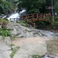 Photo taken at Air Terjun Sg. Gabai (Waterfall) by SH L. on 11/15/2012