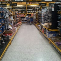 Photo taken at Homecenter y Constructor Calle 80 by Andrés G. on 11/29/2012