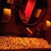 Photo taken at Pizzaria Cara de Mau by Shuzan K. on 12/12/2012