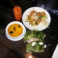 Photo taken at Joe Restaurant (โจเรส) by Svetlana K. on 12/1/2012