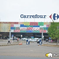 Photo taken at Carrefour by Georgius T. on 11/18/2013