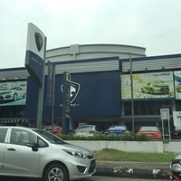 Photo taken at Proton Glenmarie Service Centre by Jiihan N. on 9/23/2015