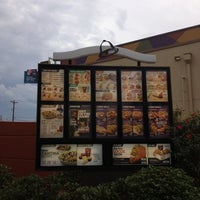 Photo taken at Taco Bell by Vint on 11/4/2012