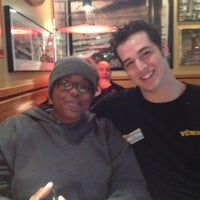 Photo taken at Red Robin Gourmet Burgers by Vee J. on 10/20/2012