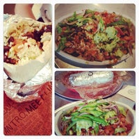 Photo taken at Chipotle Mexican Grill by Justine S. on 11/18/2012