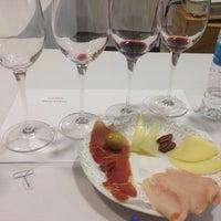 Photo taken at Mundo Gourmet by CasaLicha P. on 3/18/2014